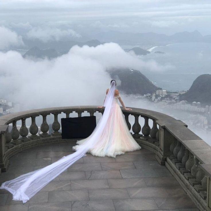 Casamento da top Michelle Alves e Guy Oseary no RIO - Noivas na Medida