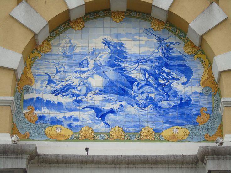 Jorge Colaço | Algés | Aquário / Aquarium Vasco da Gama | primeira metade do século XX / first half of the 20th century  [© Ana Almeida] #Azulejo #AzulejoDoMês #AzulejoOfTheMonth #Água #Water #Algés #JorgeColaço