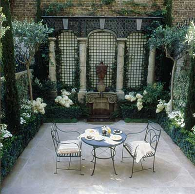Beautiful shady courtyard garden.