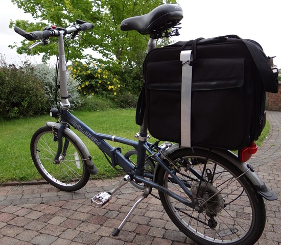 Carrying a Laptop Bag on a Folding Bike