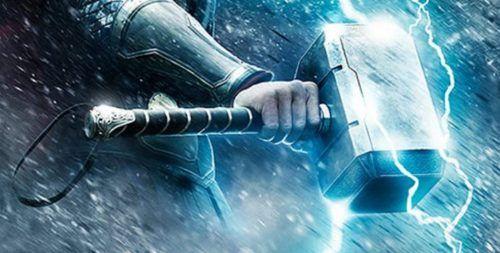Excalibur è la prima arma a riconoscimento digitale dell'immaginario collettivo. Anche il martello di Thor, a pensarci bene. Tutta roba che risponde solo al tocco del padrone come un cane fedele http://piergiuseppecavalli.com/2017/01/26/io-non-sono-un-numero/