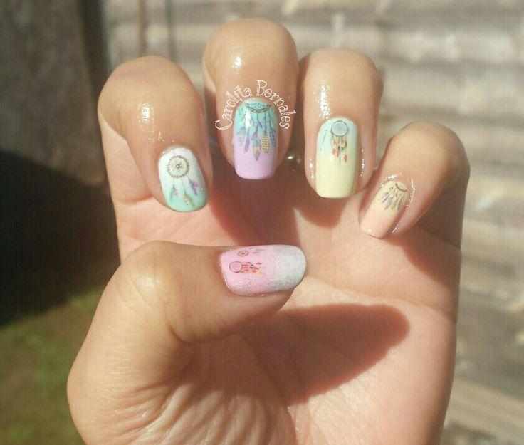 Uñas con atrapasueños en pastel nail art