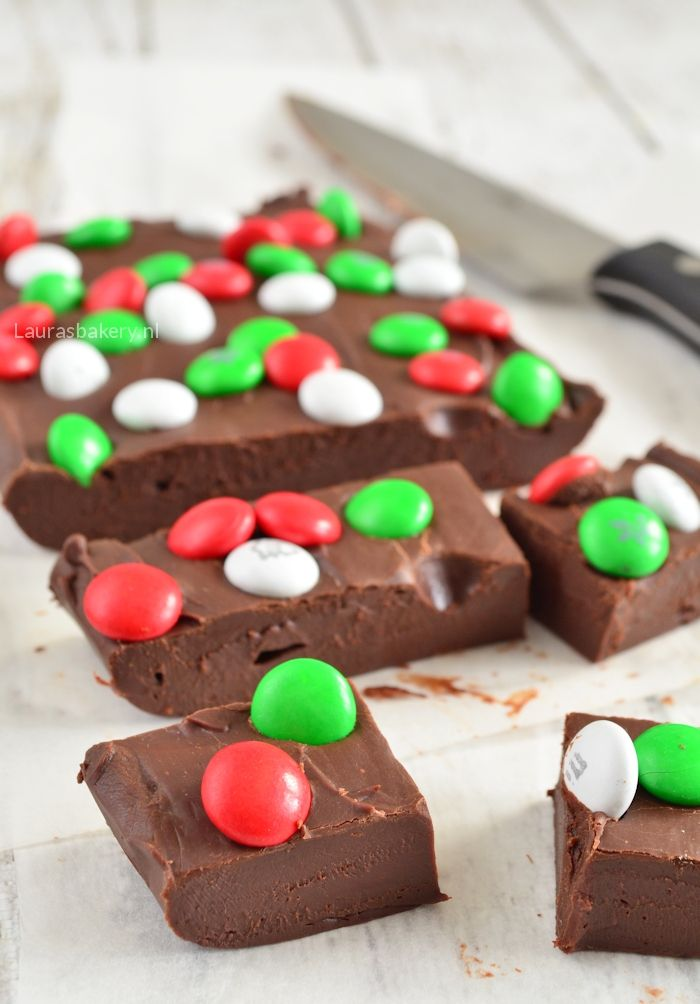Easy christmas chocolate fudge - Snelle chocolade fudge - Laura's Bakery