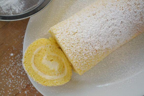 Necesitamos   140 gramos de azúcar  5 huevos   10 gramos de miel  1 cucharadita de esencia de vainilla  100 gramos de harina   500 ...