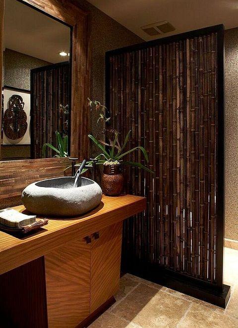 banheiro estilo asiático 3 - decormotion É por isso que os banheiros com estilo asiático costumam ter banheiras ou ofurôs, além de iluminação indireta, que é mais aconchegante por não ofuscar a vista.