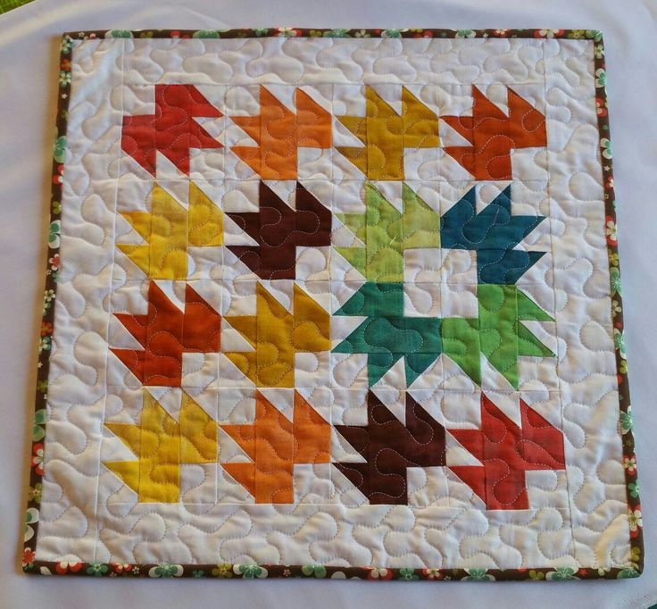 This mini quilt was for the #fallingforfallswap this one was sent to my partner 🍁🍁