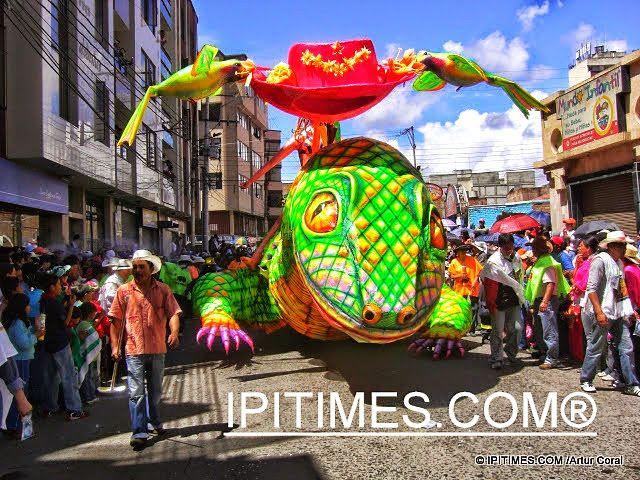 """IPIALES """"Invitan a artesanos de Ipiales para participar en el Carnaval"""" (DIARIO DEL SUR - L., 9 NOV 2015). ENTRAR >>> http://diariodelsur.com.co/noticias/local/invitan-artesanos-de-ipiales-para-participar-en-el-carnava-168548"""