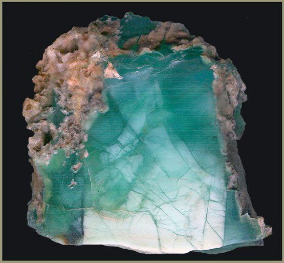 Chrysoprase. Хризопроаз разновидность халцедона. Коллекционный ювелирно-поделочный камень,свойства