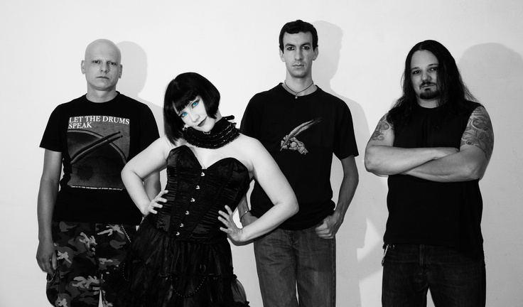 Hi ya! This is the whole band: Max, Laura, Roby and Tiz.   Check out our new video:  http://www.youtube.com/watch?v=tHrsqX8198E