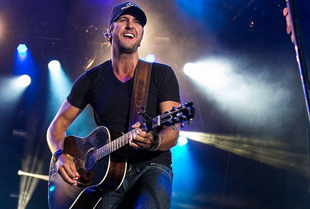 Look out, ladies! LUKE BRYAN is coming to the CenturyLink Center on Wednesday, May 12, 2016! Stay tuned to TicketExpress.com for pricing & details!