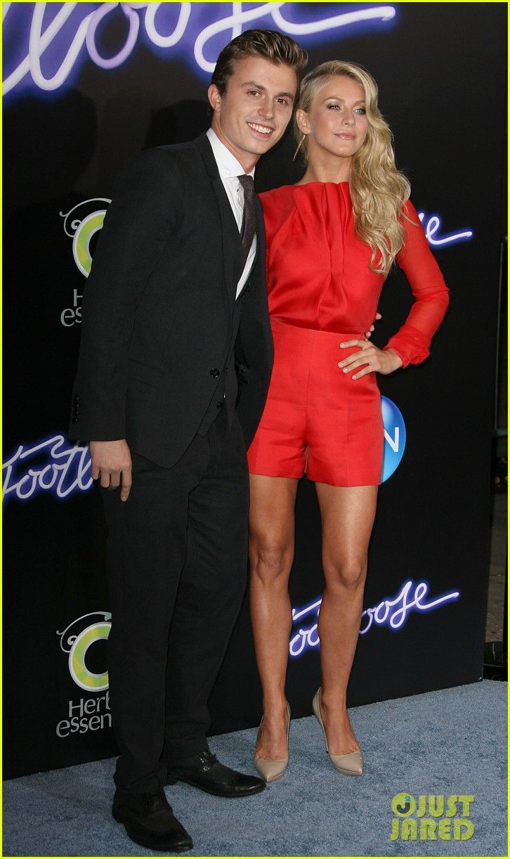 julianne hough kenny wormald footloose premiere 12
