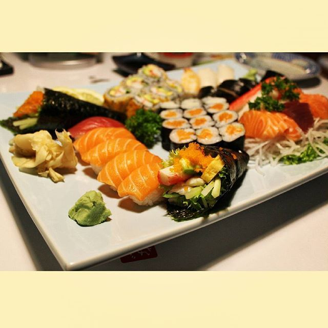 #sushi #fish #meal #wien #nagoyasushi #nagoya #Österreich #vienna #viennainstaration #welovevienna #austria #good #best #yummy #wasabi #lunch #dinner #itadakimasu #japan #japanfood #japanesse #culture #like #follow #taste #maki #sashimi #tekamaki #californiamaki #sushiroll ..... by frozenladymatuss