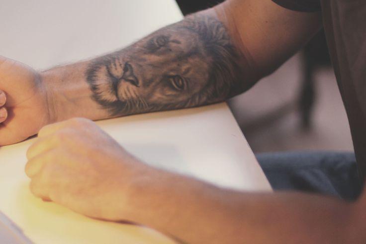 King of Judah arm piece