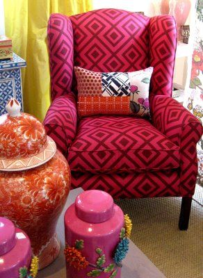 A few pretty armchairs to look at...