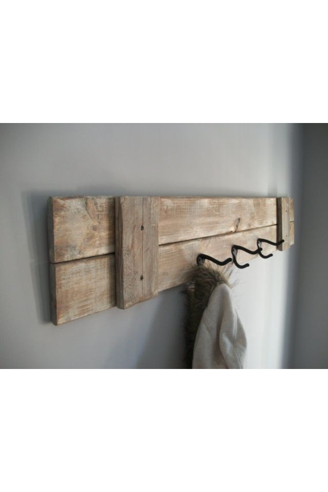 Rustic coat rack. An easy DIY
