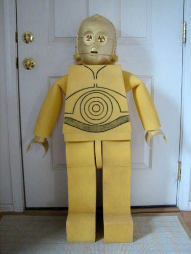DIY Lego C-3PO Costume... diy? if so, for e: Lego Costume Diy, Halloween Costume Ideas, Diy Halloween Costumes, C3Po Costume Kids, Lego C 3Po, Diy Lego Costume, C 3Po Costume, Halloween Ideas, Lego Costumes