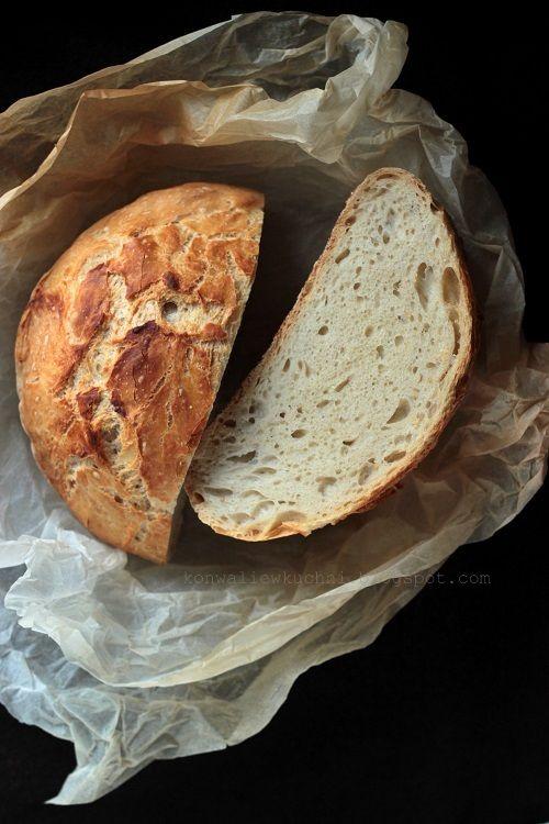 Chleb orkiszowy okrągły jak pączek;)