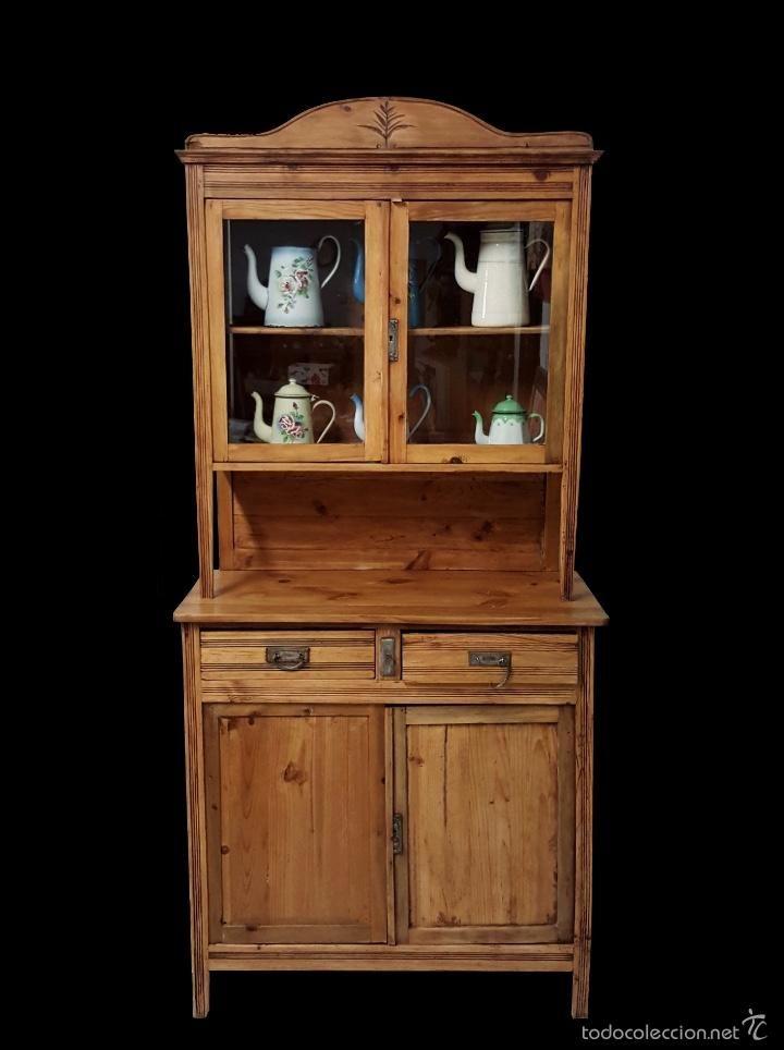Antigua alacena de pino con copete restaurada preciosa - Tiradores para muebles antiguos ...