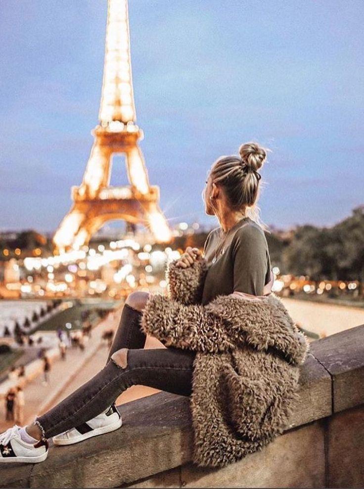 Картинки девушка со спины на фоне эйфелевой башни