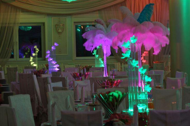 Dekoracje weselne pióra strusie , sople led