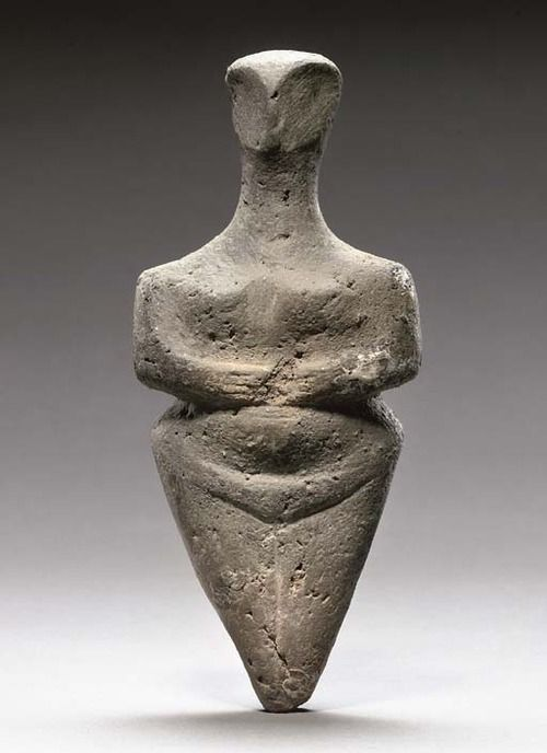 EUROPEAN NEOLITHIC POTTERY STEATOPYGOUS IDOL - CIRCA 5TH MILLENNIUM BC