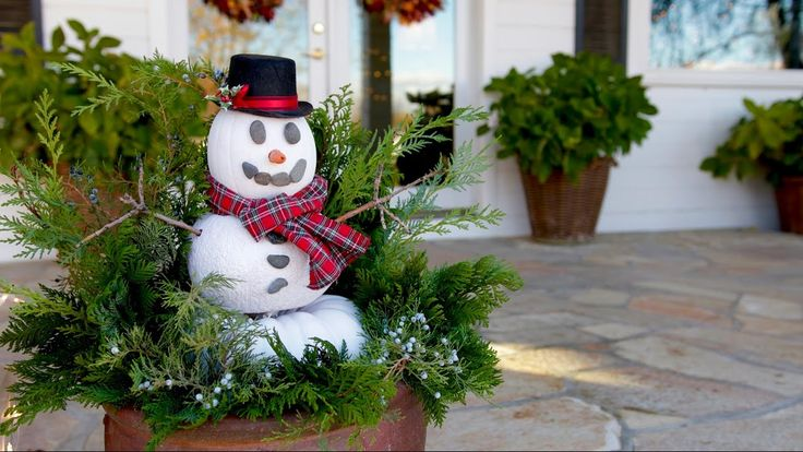 Video tutorial - How to use leftover pumpkins to make a decorative snowman.
