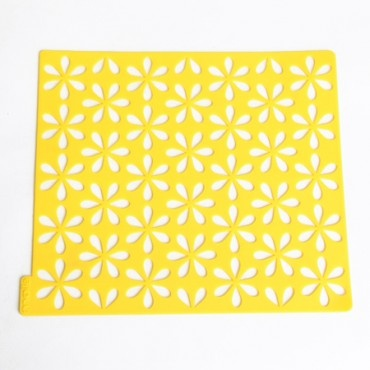 brightened bloom kitchen sink mat. every kitchen could use a punch of yellow, yes?