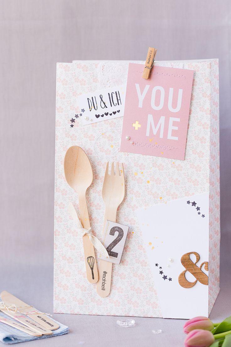 mojosanti ♥ Sandra Dietrich: Esskultur mit Momentstempeln von Papierprojekt I Stilvolle Essenseinladungstüte I Dinner invitation in a bag