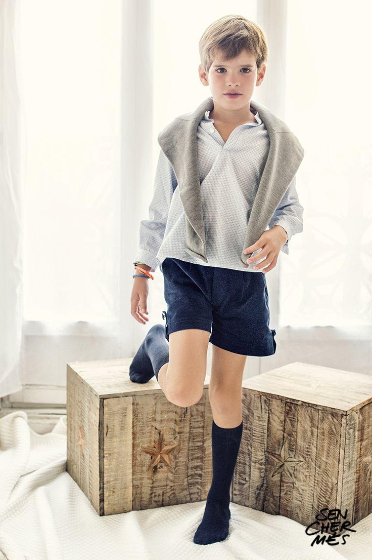 Мальчик снял юбку