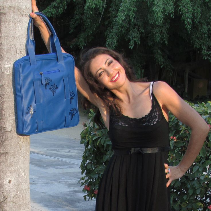 Espectacular Anina en cuero azul , disponible en www.anina.com.co, whatsapp: 3215012513