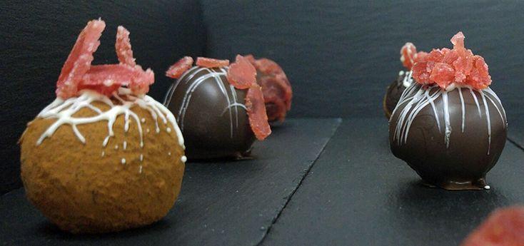 Τρουφάκια σοκολάτας με αποξηραμένες φράουλες | ION Sweets