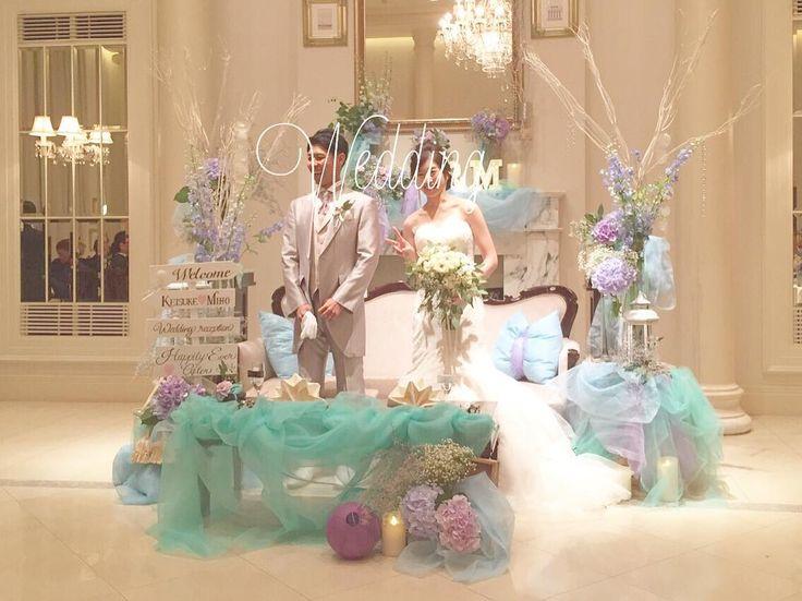 #mmwd_mh911 見た瞬間かわいくて発狂した高砂ソファー♡ 一番写真に写るであろう場所なので 一番こだわったところです( ˊ̱˂˃ˋ̱ ) そんなところでまさかの1人ピース✌️ . #大人アリエル#大人マーメイド#高砂ソファー#高砂装花#高砂#卒花嫁#卒花#marry花嫁#ウェディングニュース#クラッチブーケ#マーメイドウェディング#埼玉花嫁#ウェディングサイン#ウェルカムサイン#マーメイドドレス#花嫁DIY#高砂クッション#ハナコレストーリー#ハナコレ#juno4u#ハナユメ