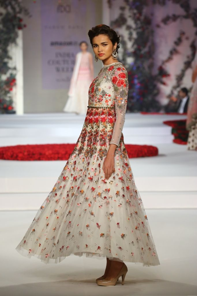 #ICW #ICW2015 #fdci #sunar #VarunBahl #designercouture #detailtherapy #weheartit #exquisite #saree #bridal #indianfashion #elegant #collection #wedding #rose #fleur #elegant