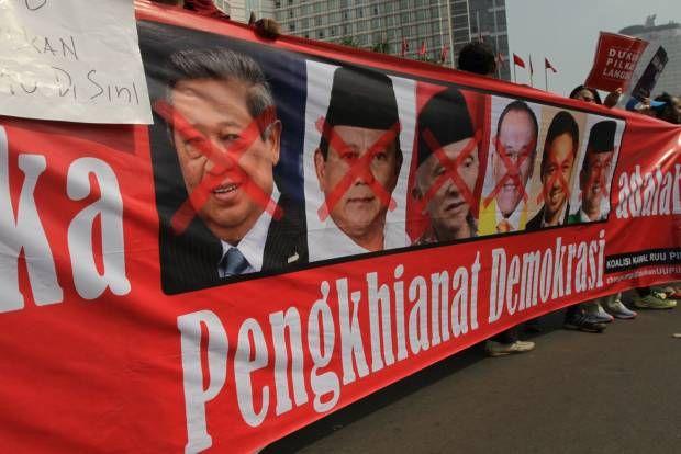 Mereka Melawan Para Pengkhianat Demokrasi!