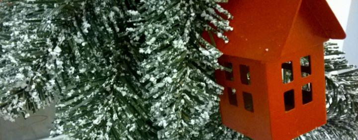 Pronto l'alberello di Soluzione CASA! :-) Venite a trovarci in ufficio in Via L'Aquila n.7 a Pescara! #Natale #decorazionidinatale