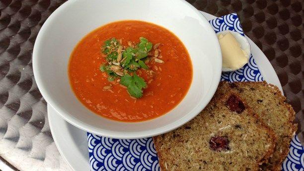 Recept: Indisk tomatsoppa - Recept i Meny: Soppa - Meny   Sveriges Radio