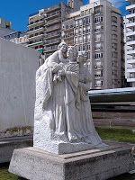 Estatua de Lola Mora  en el Pasaje Juramento, un pasaje peatonal en el Monumento Nacional a la Bandera en Rosario (Argentina)