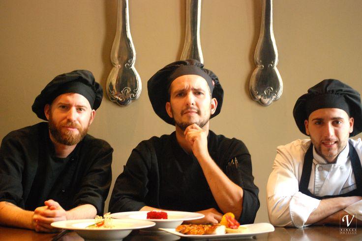 """Los encargados de la buena comida del hotel Vincci Soho4* . Ellos son Alejandro Rivilla (cocinero), Cesar Calderón (jefe de #cocina) y Manuel Vega (segundo jefe de cocina). / """"Big moments"""" at the lunchtime at the hotel Vincci Soho 4* #Madrid. They are Alejandro Rivilla (cook), Cesar Calderón (Head Chef) and Manuel Vega (Second Chef). #vinccihoteles #vinccihotels #alogrande #vinccisoho #funny #hotelenmadrid #barriodelasletras"""
