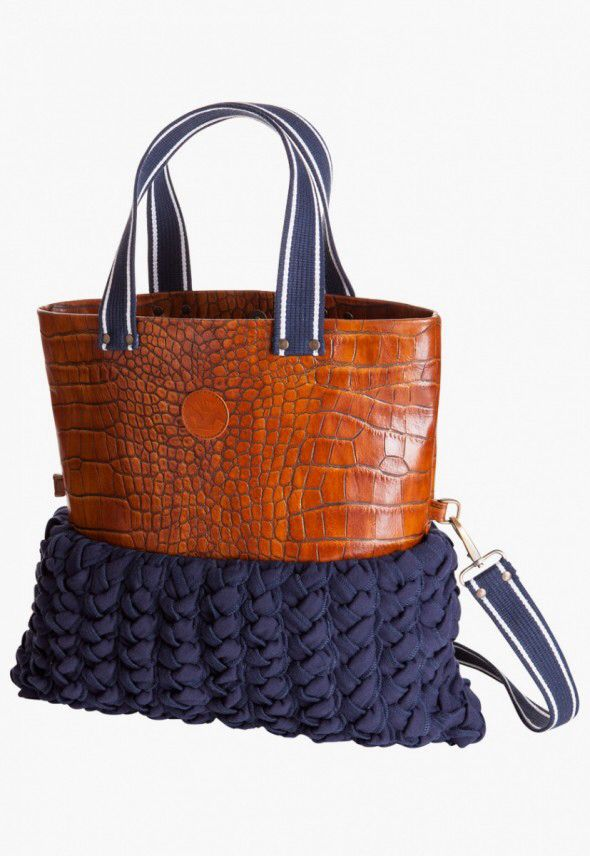 Image from http://seventy2minutes.com/blog/wp-content/uploads/2012/08/Manitic-Leather-Shopper-Bag-590x856.jpg.
