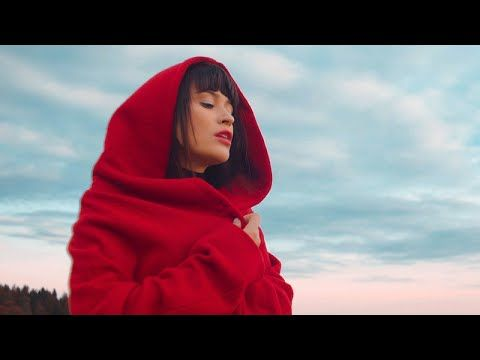 Irina Rimes - Octombrie Rosu | Muzica Noua Romaneasca, Muzica Gratis, Versuri
