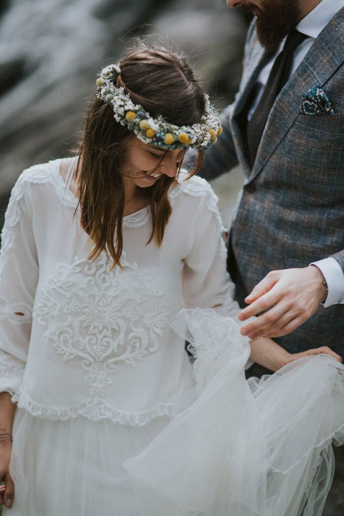 we love this laidback two piece bridal set | Image by Joanna Jaskólska Fotografia