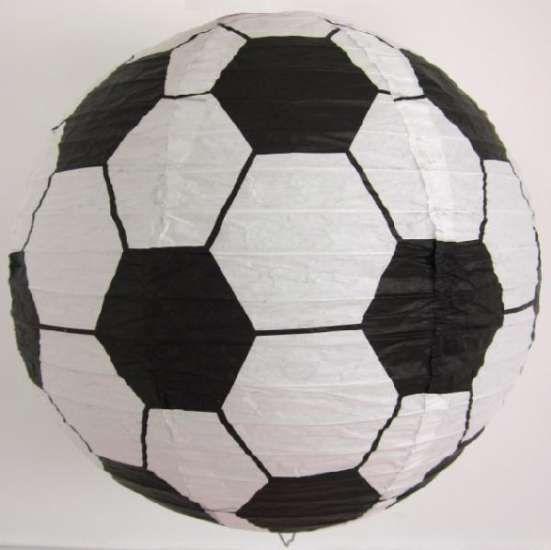 Voetballamp van papier. Prijs 12,95