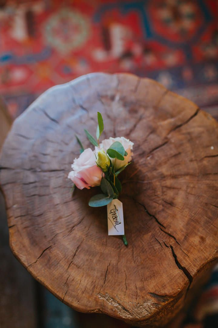 Gorgeous buttonhole by @whfco for the groom. Photo by Benjamin Stuart Photography #weddingohotography #whitehorseflowercompany #buttonhole #weddingflowers #florist #weddingideas #groom