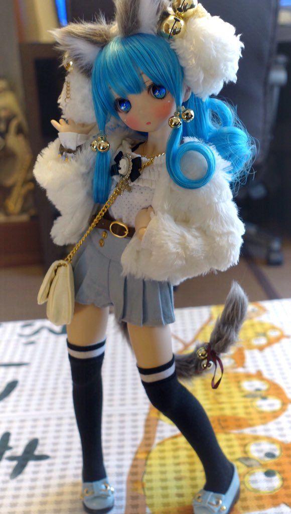 埋め込み She needs to be an anime character lo…