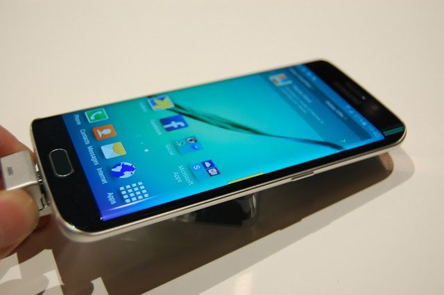 Todo lo que sabemos del Samsung Galaxy S7 antes del MWC 2016   Arranca la cuenta atrás para el Mobile World Congress en Barcelona (MWC 2016) que se realizará en Barcelona entre el 22 y 25 de febrero y donde se darán cita los fabricantes más destacados del mundo de la tecnología móvil incluyendo a Samsung que previsiblemente mostrará al mundo a su nuevo buque insignia el Samsung Galaxy S7.  El diseño fue el gran protagonista el año pasado durante el lanzamiento de los Samsung Galaxy S6…
