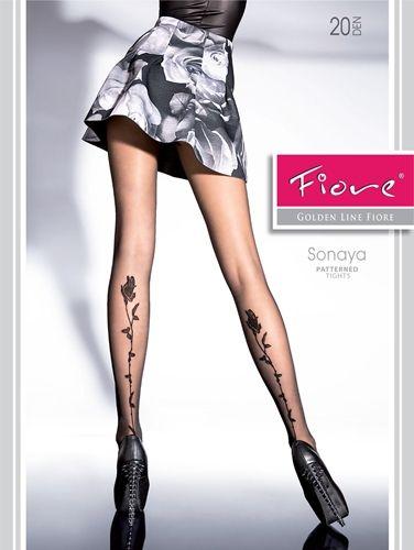 Denne tynne tightsen i 20 den har en markant rose som strekker seg oppover leggen din. Myk og behaglig mot huden.