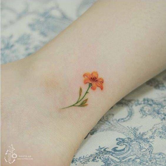 25 melhores ideias sobre desenho de tatuagem de margarida for Simple tattoos that look good