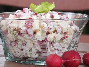 Przepyszna, zdrowa i bardzo szybka do zrobienia sałatka z wyrazistej smakowo rzodkiewki, soczystego jabłuszka i aromatycznego selera naciowego :) Przepis na sałatka z rzodkiewki, jabłka i selera naciowego.