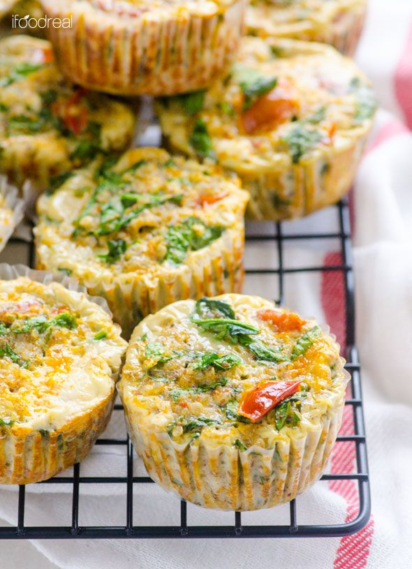 Healthy Sundried Tomato, Spinach and Quinoa Egg Muffins -- Complete breakfast on the go or a snack. Double the recipe and freeze a batch!