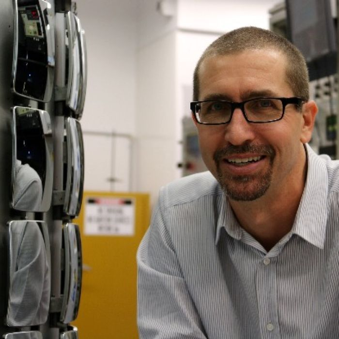 Dr Colin Hall (Bachelor of Applied Science & Doctorate Minerals and Materials) won the inaugural Prime Minister's Prize for New Innovators after developing a shatter-proof car mirror.